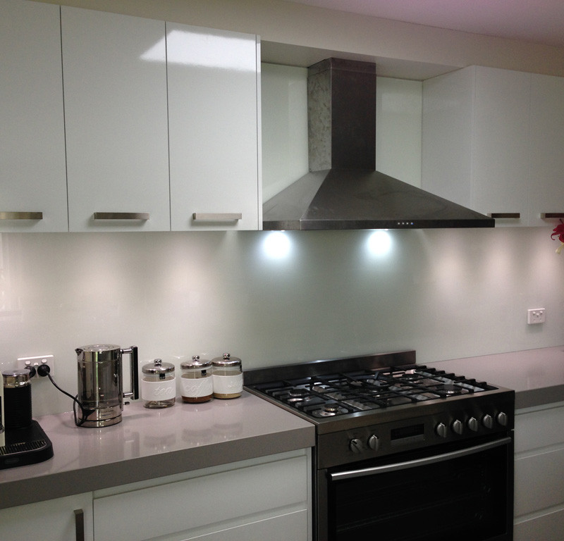Glass splashback - domestic application